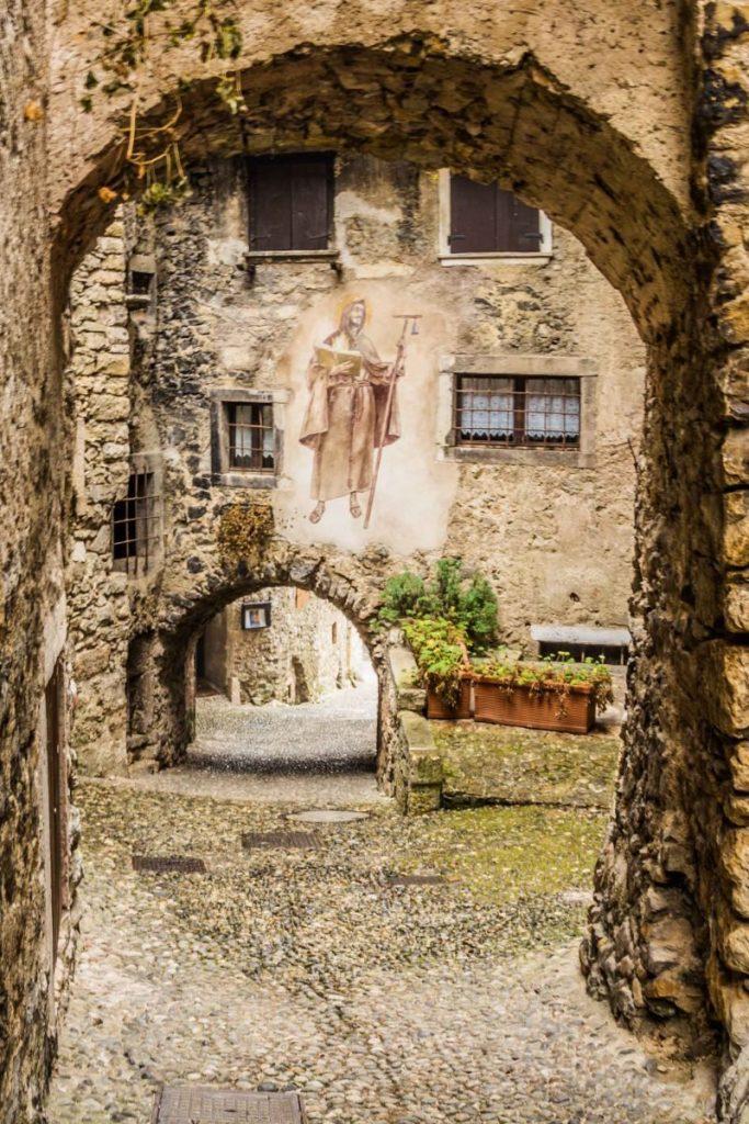 Canale di Tenno uno dei borghi medioevali più belli d'Italia