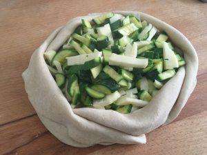 Torta salata al prosecco con zucchine in fiore