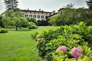 Palazzo Monti della Corte garden-view