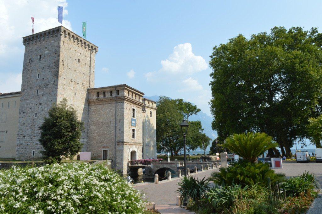 mostra - OLTRE IL CONFINE DELLA TELA - al Mag di Riva del Garda