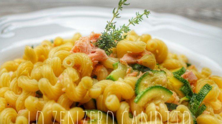 Pasta trota salmonata e zucchine