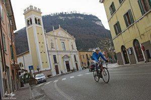 """Il Lago di Garda in bicicletta da vivere con la tua """"Specialissima"""""""