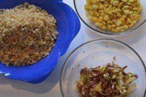 Insalata di cicerchie e cereali con carciofi marinati e salmerino