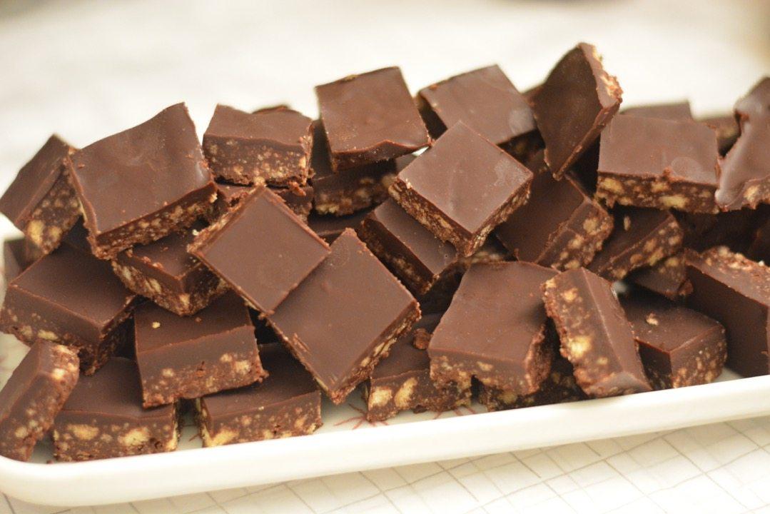 biscotti al cioccolato preparati in casa