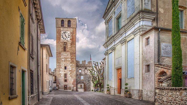 Castellaro Lagusello, nel cuore delle colline moreniche