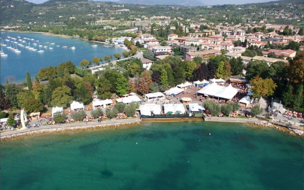 Festa dell'Uva e del vino Bardolino, dal 28 settembre al 2 ottobre.