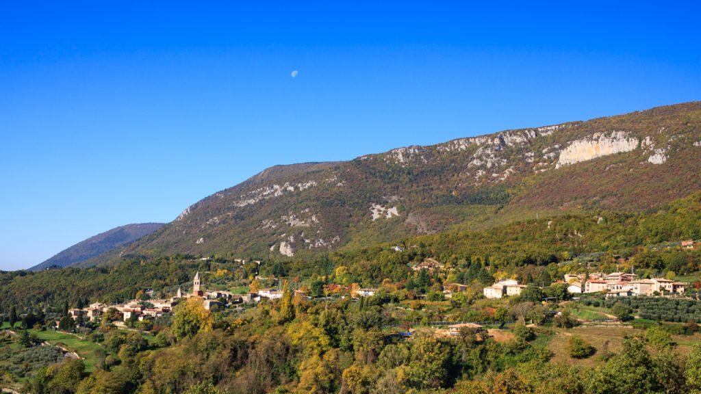 Escursione in mtb a Pian di Festa, un giardino pensile sulla Valle dell'Adige