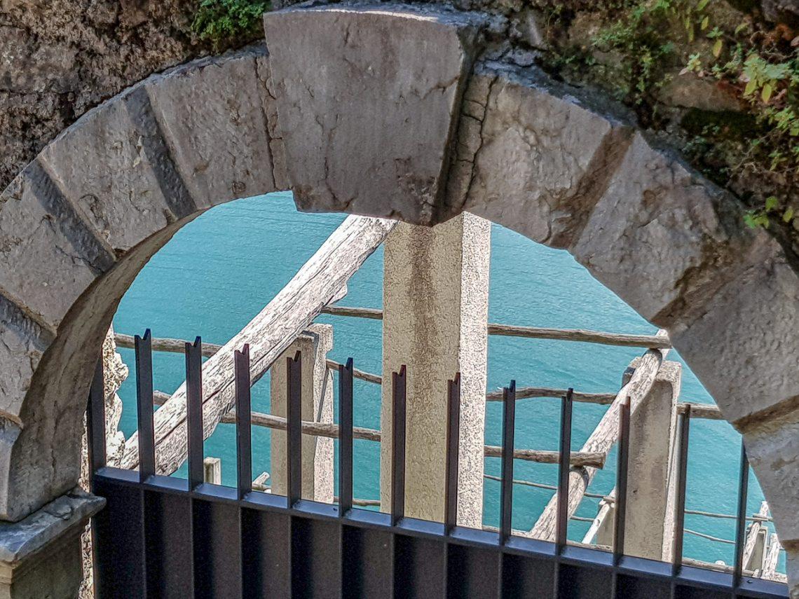 la ciclopedonale di Limone sul Garda vista da vicino