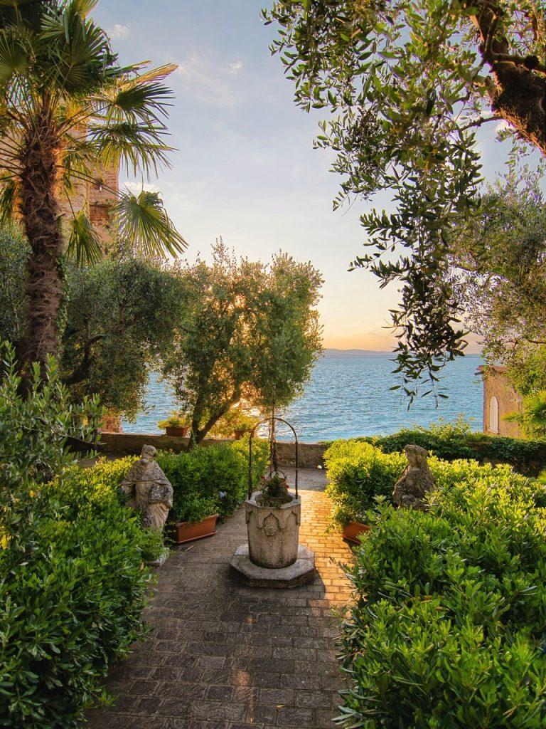 Dove scovare i migliori tramonti del Lago di Garda e del suo entroterra.