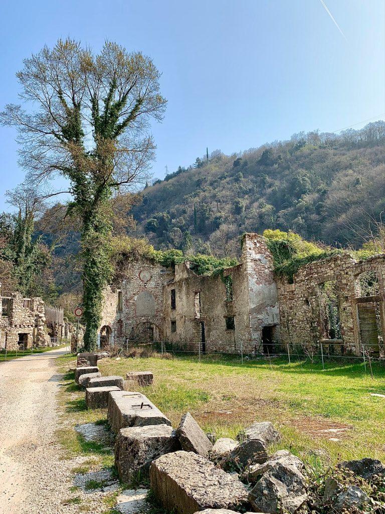 La Valle delle Cartiere a Toscolano Maderno sul Lago di Garda.