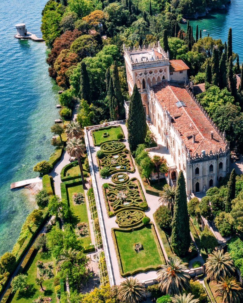 Isola del Garda, un microcosmo ricco di natura, arte e storia.