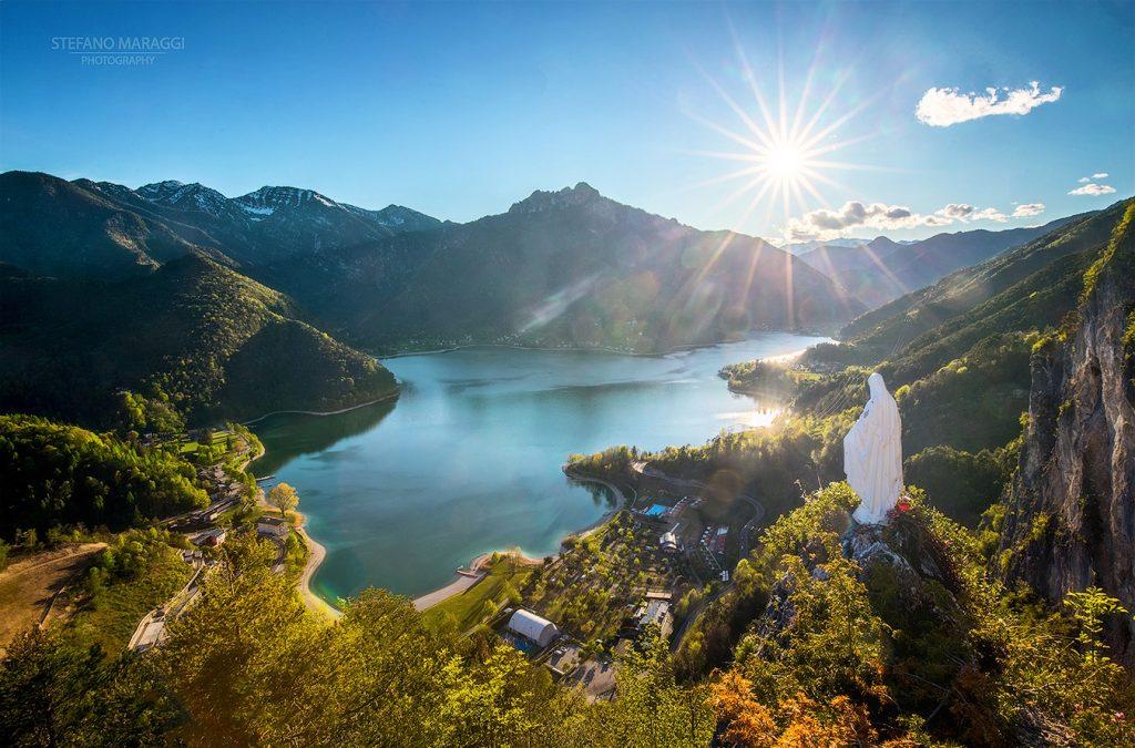 Una vista incantevole sul Lago di Ledro: trekking alla Madonnina di Besta.