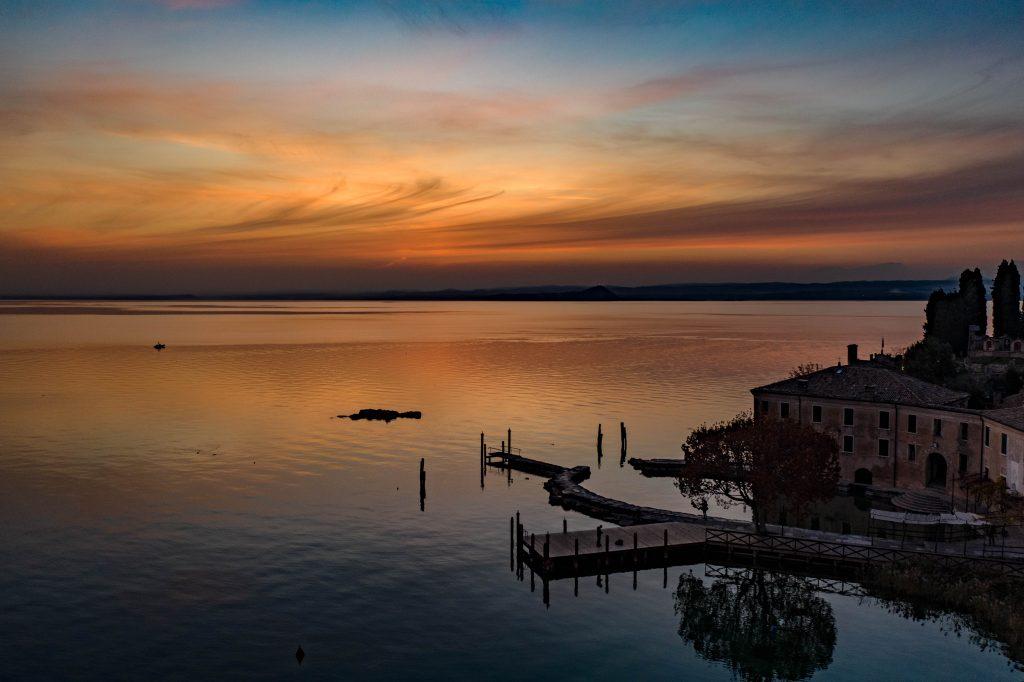 I migliori spot dove ammirare il tramonto sul Lago di Garda e suo entroterra.