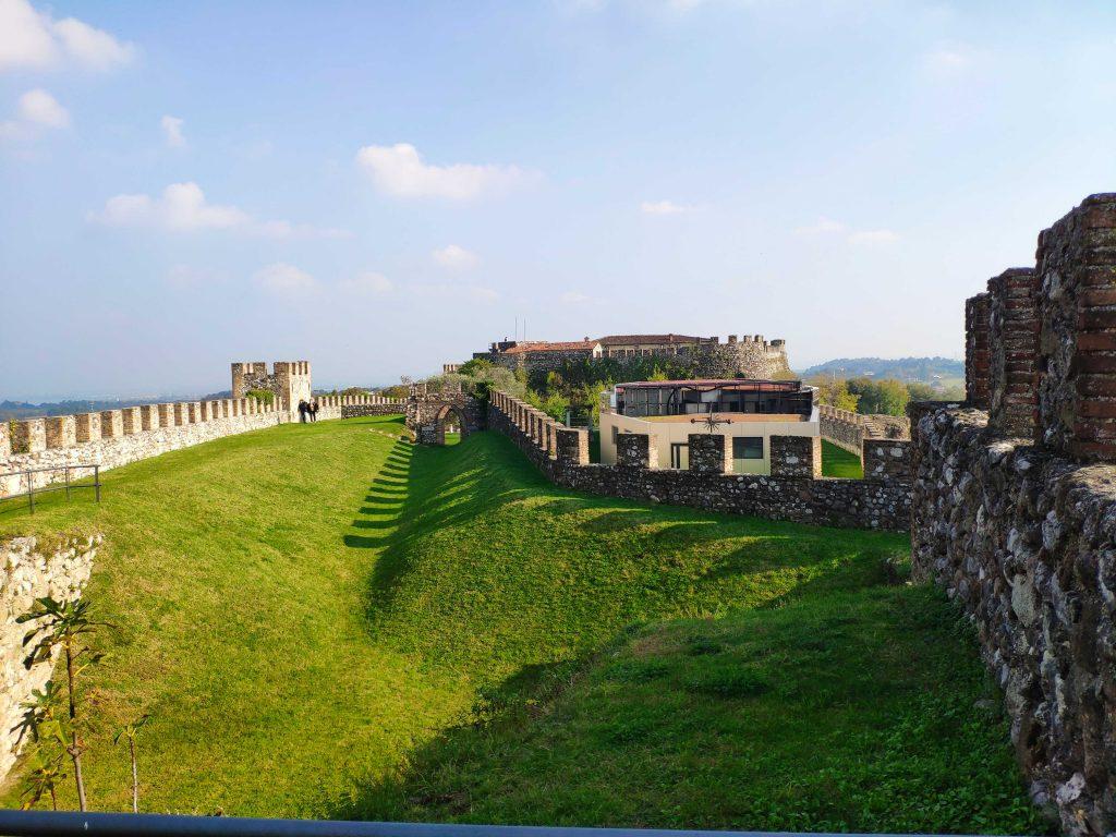 Tutti i più bei castelli del Lago di Garda e hinterland.